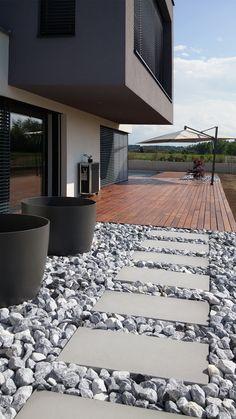 WhiteCube – ein modernes Architektenhaus in Wiener Neustadt » Terrasse / Gart…   – Malik Eldjebena
