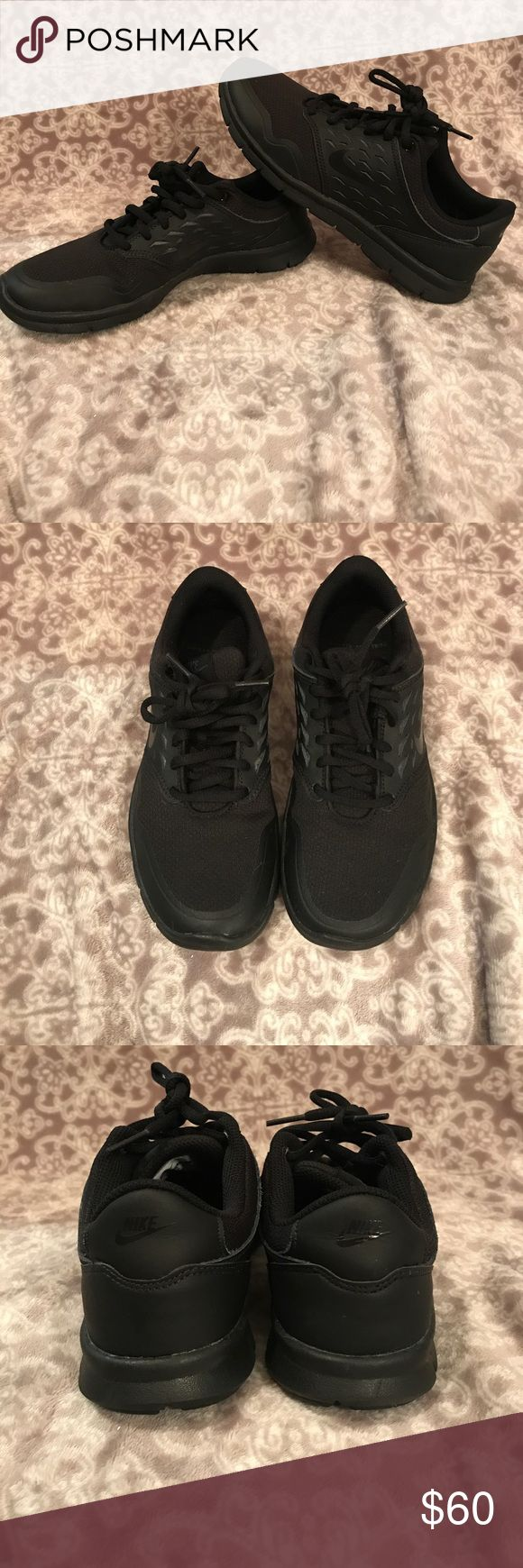 Nike Cross-Trainers size 6.5 Nike size 6.5 black-on-black cross-trainers! Only been worn a couple of times, and never outside. Only inside of a gym. Price is firm😘 Nike Shoes Athletic Shoes