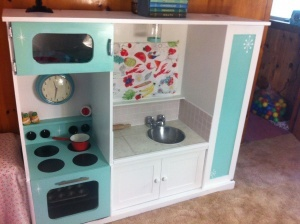 TV stand to children's kitchen DIY , recycle