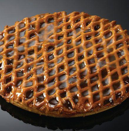 Kersenvlaai met deegladdertjes (Dutch recipe)