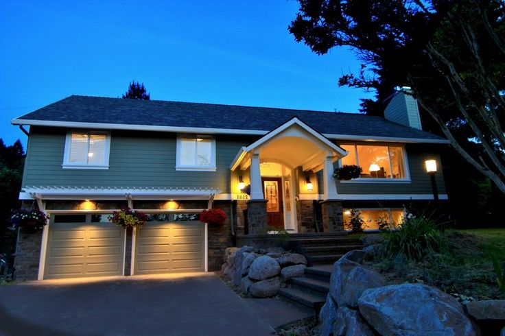 Raised Ranch Exterior Traditional With Stone Veneer Wall