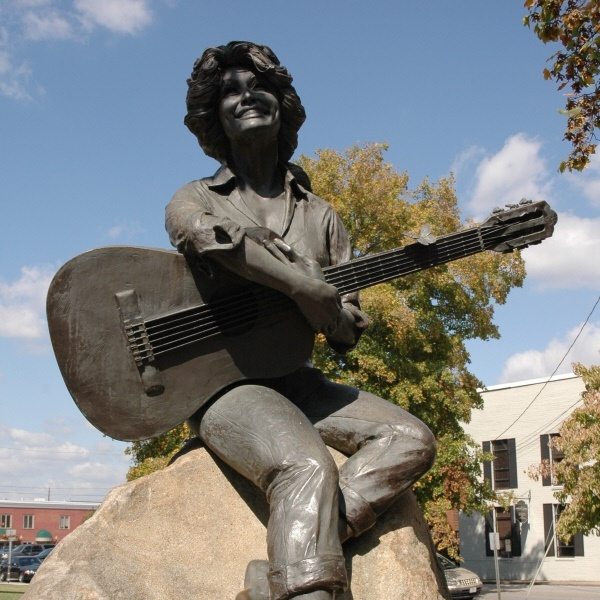 Statue of our own Dolly Parton in front of the Courthouse in Sevierville