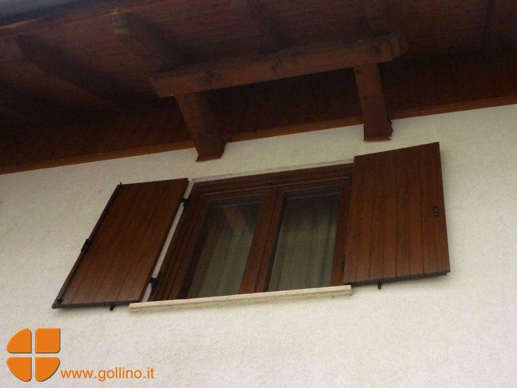 #scuretti #pvc effetto legno. Il color NOCE degli scuretti installati si infona perfettamente alle travi in legno del tetto