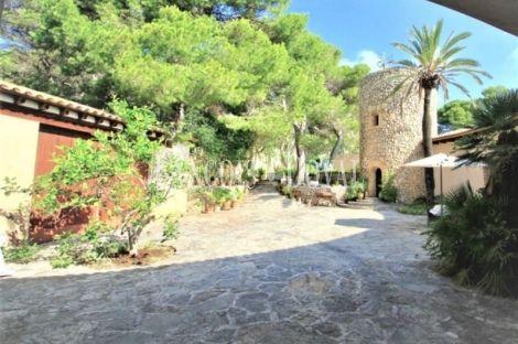 Antigua villa señorial en venta. Vistas al mar. Cala Ratjada. Capdepera. Mallorca.