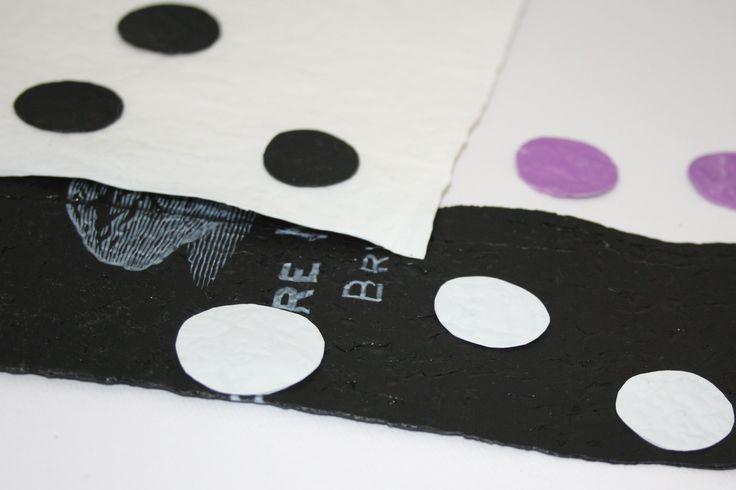 Riciclo plastica: come trasformare una busta in tessuto http://www.lovediy.it/guide/riciclo-plastica-come-trasformare-una-busta-in-tessuto/ Un guida che vi insegnerà come trasformare le buste di plastica in un tessuto particolare e resistente, con cui creare accessori e splendidi elementi decorativi...