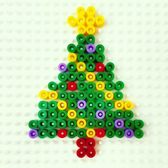 Christmas tree hama beads by missnumchuck