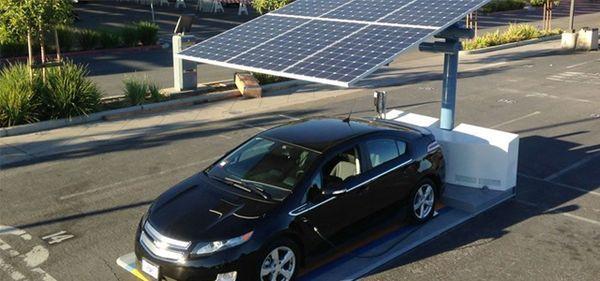 El Arc EV Carga tu auto en cualquier estacionamiento con energía #solar  http://www.fundamenta.cl/vive/arc-ev/