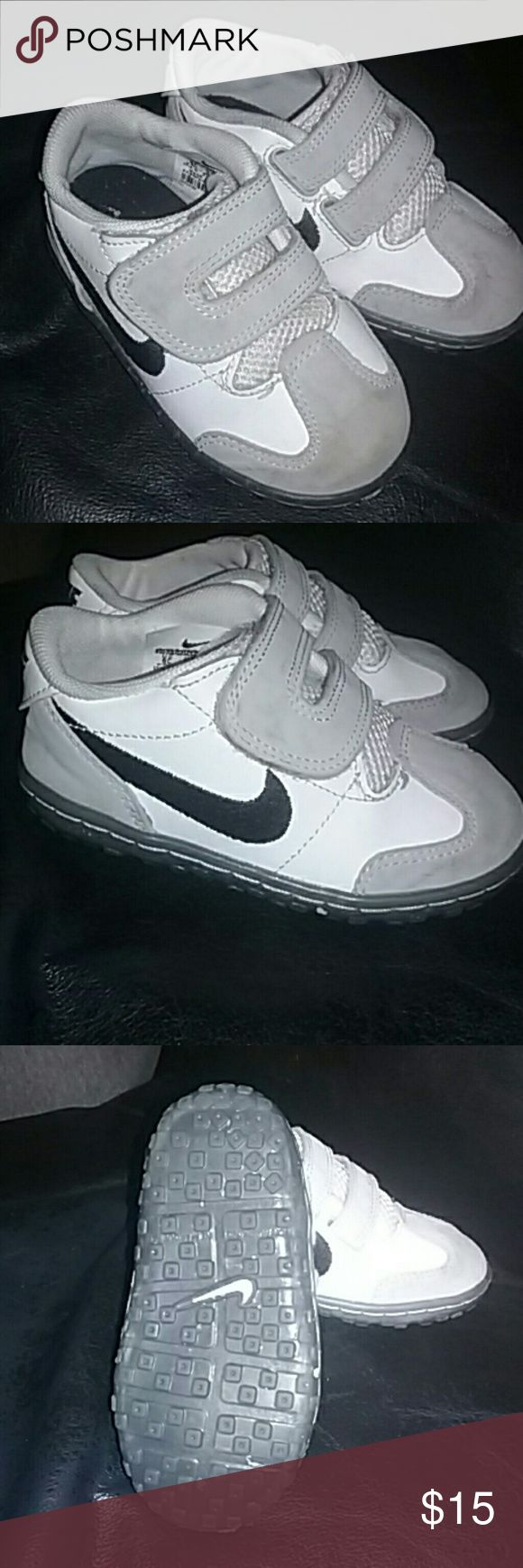 Infant Boy's Nike Shoes Size 6 Gray and white Nike shoes, infant size 6. Velcro closure. GUC Nike Shoes Baby & Walker