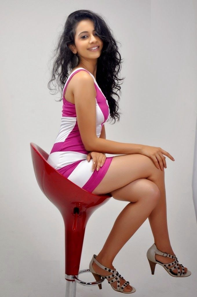 The hot cute and sexy unseen beauty girls showing their juicy curves and legs in very short mini skirt and top. These deshi seducing girls a...