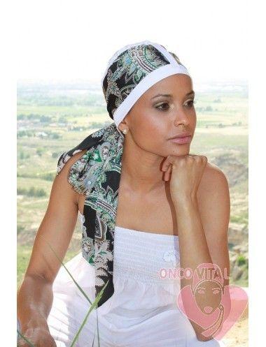 TURBANTE QUIMIOTERAPIA LUANA versatil modelo de turbante con travilla, que permite cambiar la tira para combinar tus looks