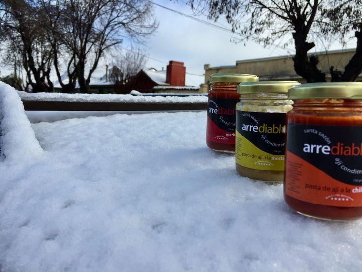 Derritiendo la nieve, hot chilli sauce. Arrediablos, 6 sabores, intenso y lúdico... picantes pero elegantes.