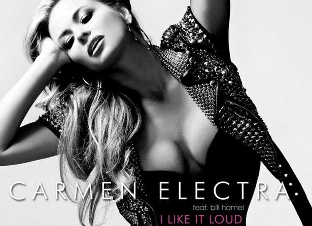 Carmen Electra - Esta estrella de cine y televisión, mayormente conocida por aparecer en la serie de Guardianes de la Bahía, ha lanzado un álbum homónimo y varios sencillos
