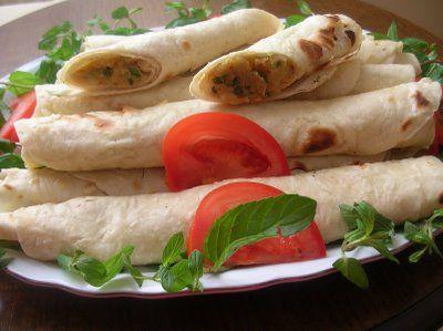 Sıkma -    Sıkma  Recipe Type: Kahvaltılık Cuisine: Türk Author: Yasemin Prep time: 30 mins Cook time: 15 mins Total time: 45 mins Serves: 6 Kişilik  Ingredients  Hamuru için: 4 su bardağı un 2 çay kaşığı tuz Aldığı kadar su İç Malzemesi İçin: 200 gram peynir 4,5 dal... - http://www.kadinca.com/yemek-tarifleri/sikma-tarifi.html