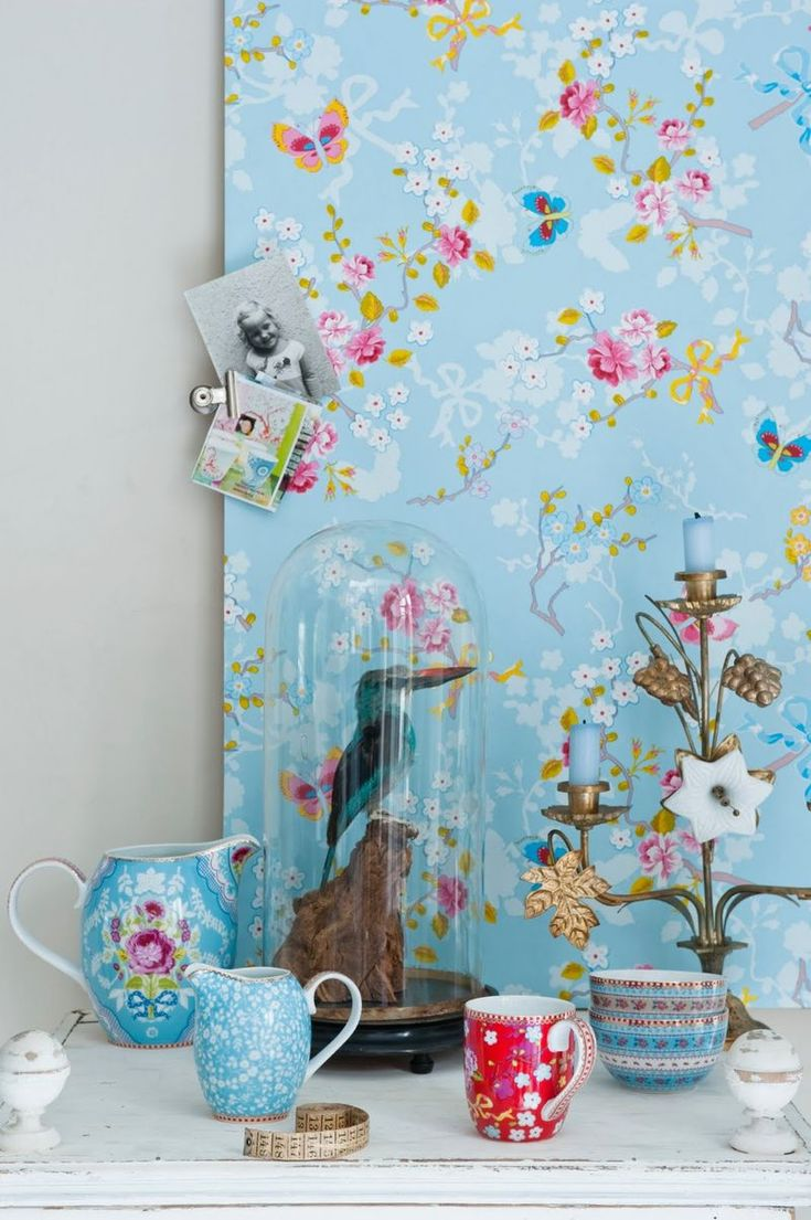 Wallpaper and china from dutch PIP Studios <3
