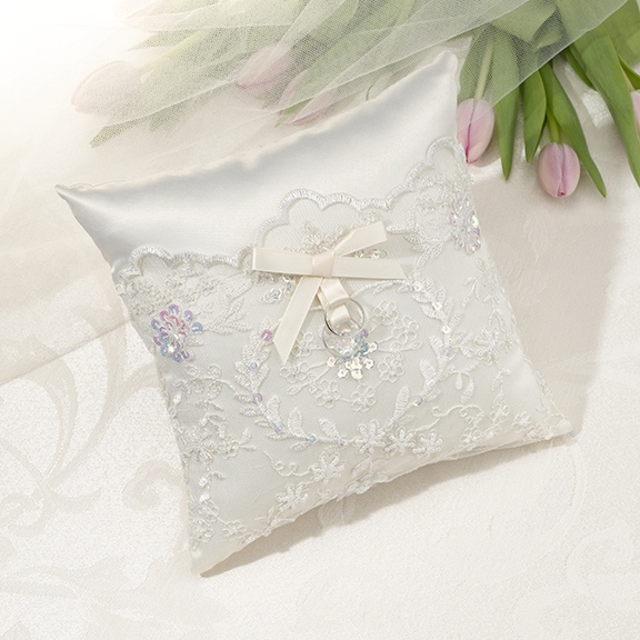 17 Best Images About Wedding -Ring Pillow- On Pinterest