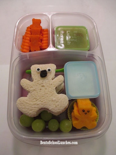 Teddy Bear Bento - #National Teddy Bear Day 9/9 #Bento #Bear @EasyLunchBoxes #MiniDippers