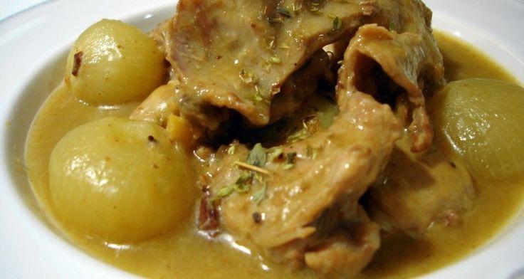Receta de Conejo guisado con cebollitas francesas