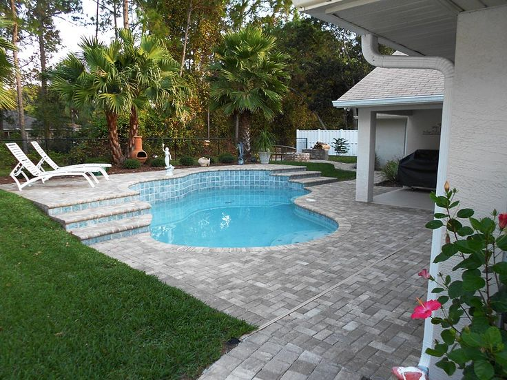 4x8 brick paver pool deck with regular bullnose coping, a munich