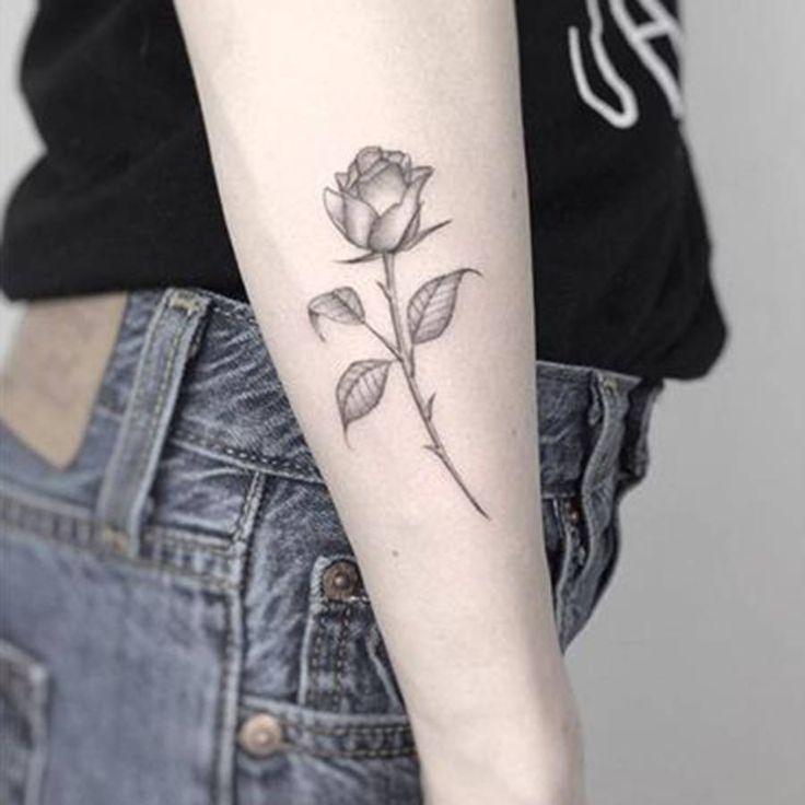 tatouage femme rose cote. Black Bedroom Furniture Sets. Home Design Ideas
