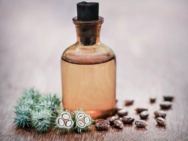 Ricinový olej. Pomůže proti chrápání, zlepšuje sluch a hojí modřiny