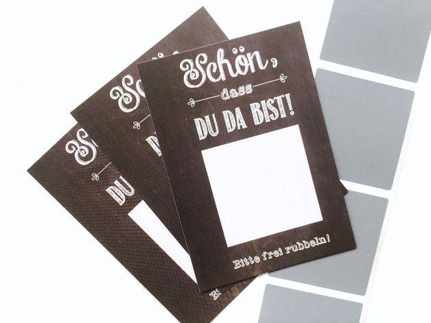 """_**Brautstrauß werfen mal anders...**_ Überrascht eure Gäste mit diesen süßen Rubbelkarten. So funktionierts: Ihr könnt einen beliebigen Text in das Quadrat 6x6cm schreiben z.B. """"Bitte komm'..."""