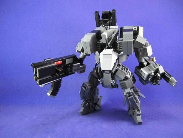 """Après le superbe """"LEGO Evangelion – Un EVA-01 de 1m20 de haut"""", voici les créations deLu Sim, akaMessymaru, qui réalise d'excellents robots et méchas"""