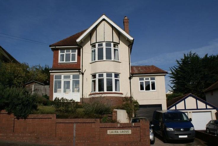 £385,000  4 Bedroom Detached House - Laura Grove, Paignton, Devon, TQ3 2LP Estate Agents