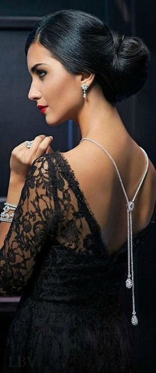 The Countess anxiously awaits Graham's arrival.  She still can't believe that after all these years she will be with him again. She is determined to enjoy the evening, free from worry, knowing that Smithson and Fredrick will be nearby.