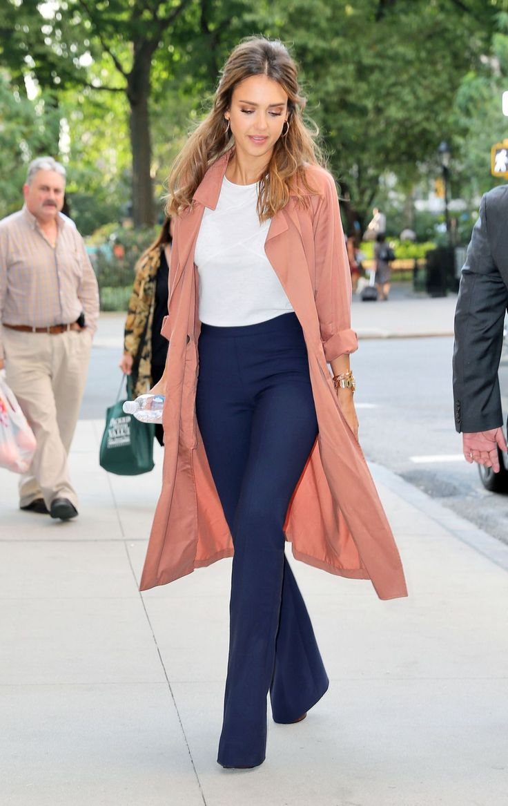 jessica-laba-leaves-the-late-show-with-stephen-colbert-in-new-york-09-08-2016_13.jpg (1200×1904)