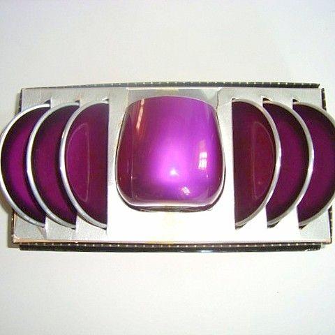 Emalox bowl designed by BJØRN ENGØ 1950-70s made in aluminium/enamel. #emalox #Bjørnengø #dishes #1950s #1970s #enamel #emalje #tilsalg #forsale on www.TRENDYenser.com