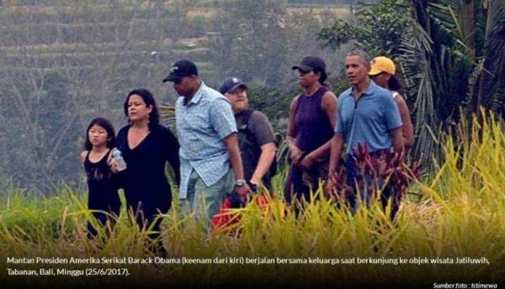 Obama Nikmati Keindahan Sawah di Jatiluwih Kabupaten Tabanan Bali  KONFRONTASI - Mantan Presiden Amerika Serikat Barack Obama dan keluarga menikmati objek wisata Jatiluwih di Kabupaten Tabanan Minggu sore (25/6/2017)  Pemandangan tempat tersebut berupa sawah bertingkat-tingkat yang telah dikukuhkan UNESCO sebagai Warisan Budaya Dunia (WBD).  Barack Obama dan keluarganya begitu turun dari mobil yang ditumpanginya dari tempat mereka menginap di Perkampungan Seniman Ubud itu langsung berjalan…