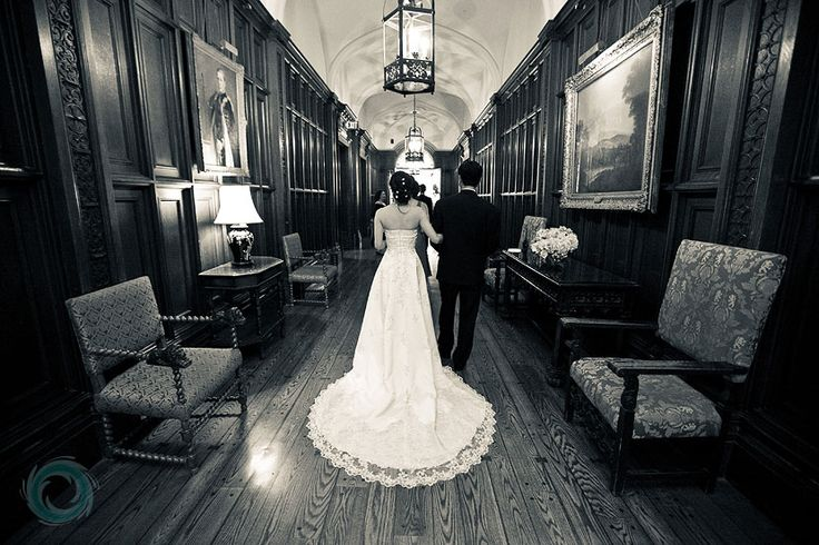 casa-loma-bride-and-father-in-hallway-11