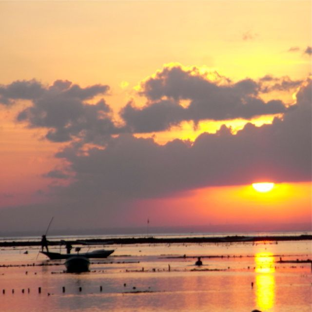 Sunsets at Nusa Lembongan main beach bring a peaceful quietness to my day.