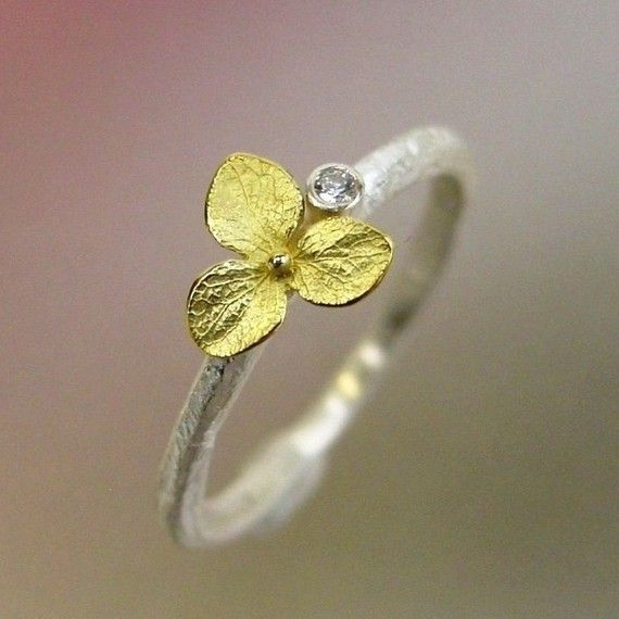 Hydrangea Blossom diamond ring: Diamonds Stacking Rings, Yellow Flowers, Hydrangeas Blossoms, Diamonds Rings, Sterling Silver, Wedding Rings, Gold Flowers, Engagement Rings, Flowers Rings