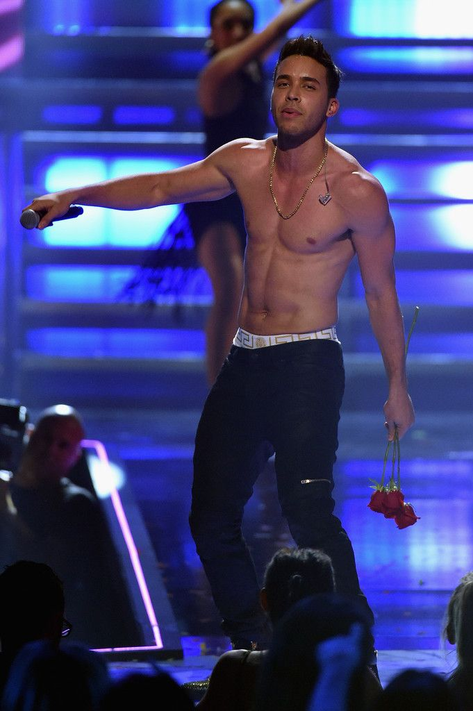 Prince Royce Goes Shirtless Showing Versace Underwear at 2015 iHeartRadio Music Festival