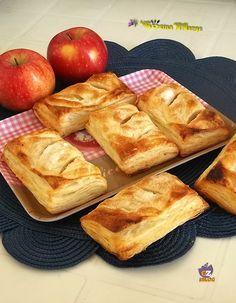 SACCOTTINI DI SFOGLIA E CUOR DI MELA sono dolci molto semplici , ideali per la merenda o per colazione .......Una ricetta semplicissima basta far saltare ..