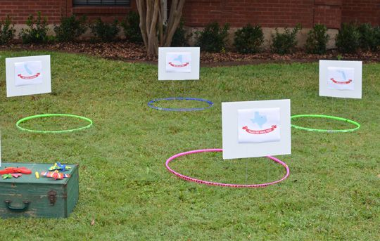 Free Airplane Birthday Party Printables - Toss the plane to the destination game