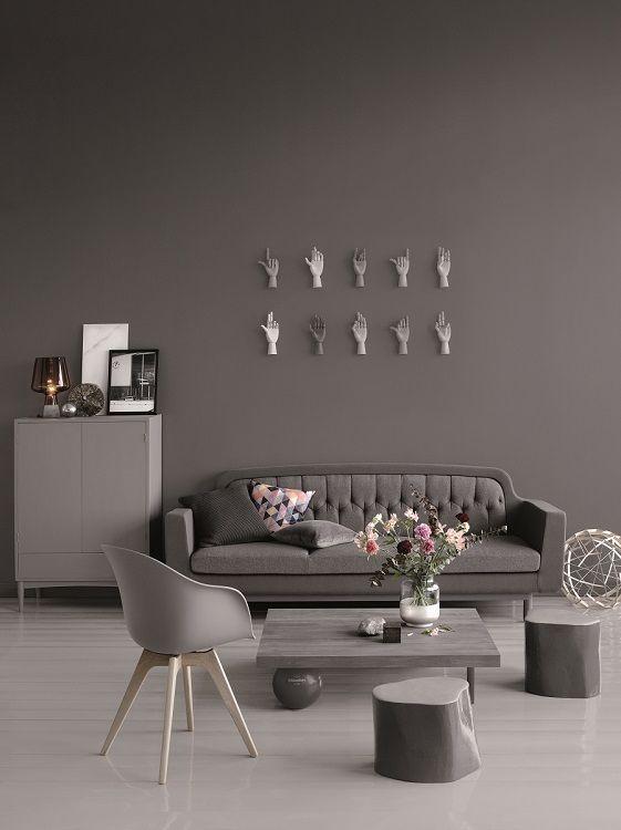 Tikkurilan Deco Grey värikartasta löydät kaikki halutut harmaan sävyt. Kokeile esimerkiksi täydellisen harmaaksi sanottua sävyä 1944 (vaaleampi kuin kuvassa oleva sävy).