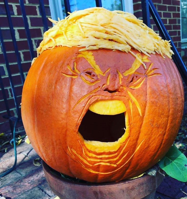 Make Halloween great again with a Trumpkin pumpkin carving. – Rosa Rot