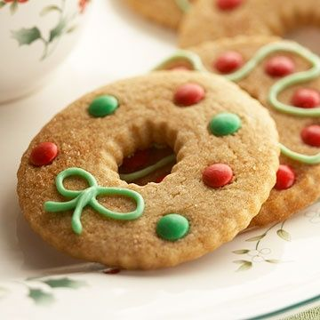 108 best christmas cookie ideas images on pinterest decorated christmas wreath cookies would be easy to make with my aunts sugar cookie recipe forumfinder Choice Image