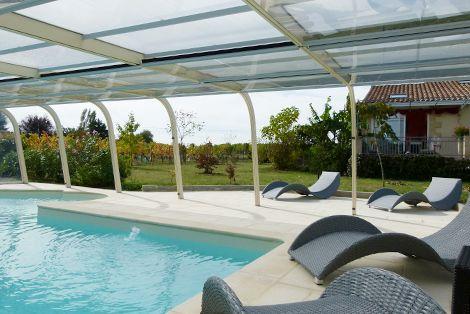 Abri de piscine fixe Modulo avec panneaux latéraux ouverts !