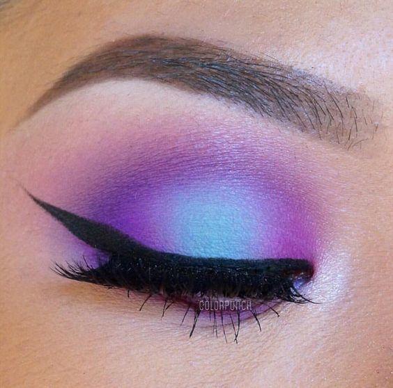 Nowe trendy w makijażu 2017: holograficzne cienie, kolorowe kreski na powiekach…