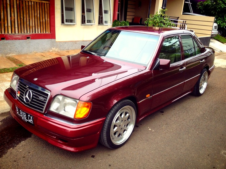 Mercedes benz w124 200e best mass market cars ever made for Mercedes benz sales jobs