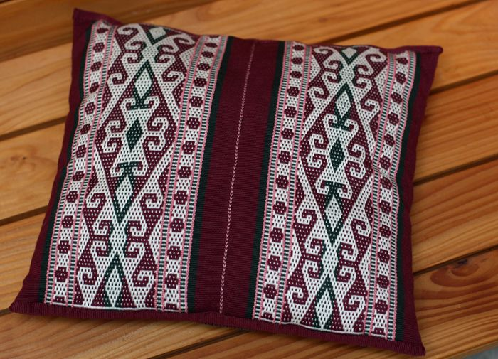 """Pillow cover from two bands. Pick-up weaving from the pattern book """"Pick-up weefsels"""". Marijke van Epen"""