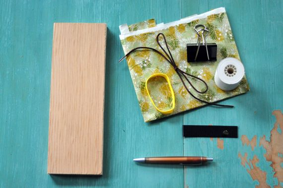 Need a place to jot your thoughts? Skip the trip to the office supply store with this project from the School and Community Reuse Action Project.