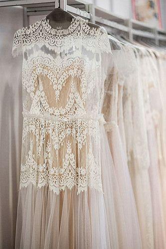 lace cream dress.
