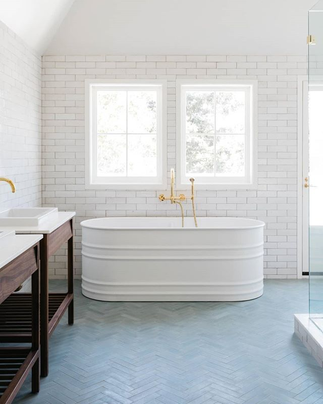 What S Your Favorite Way To Lay Tiles Here S Our Modern Farmhouse Brick Staggered On The Walls Bathroom Tile Designs Bathroom Design Bathroom Interior Design