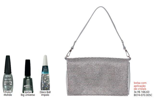 Para combinar com a bolsa com aplicações de cristais - três tons de esmaltes também prateados - seleção especial da Carmen Steffens!  Para inspirar: