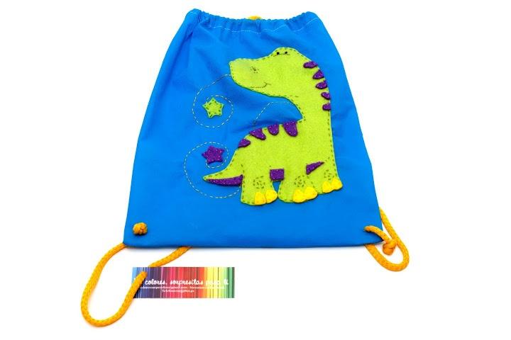 Dinosaurio Verde  - Mochilita para sorpresas de cumpleaños (http://www.facebook.com/DecoloresSorpresitasparati)agu