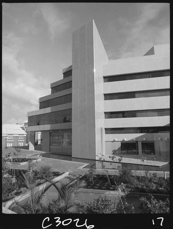 325683PD: Alexander Library Building, eastern facade, 21 June 1985 https://encore.slwa.wa.gov.au/iii/encore/record/C__Rb1897604